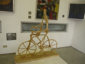 antipolo-roadtrip-pinto-art-museum-bicycle