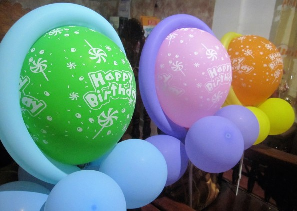 birthday-balloons
