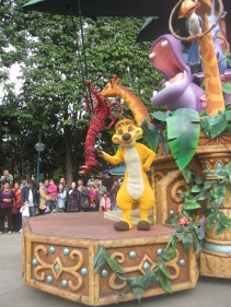 Hong-Kong-Disneyland-day-parade-10