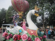 Hong-Kong-Disneyland-day-parade-6